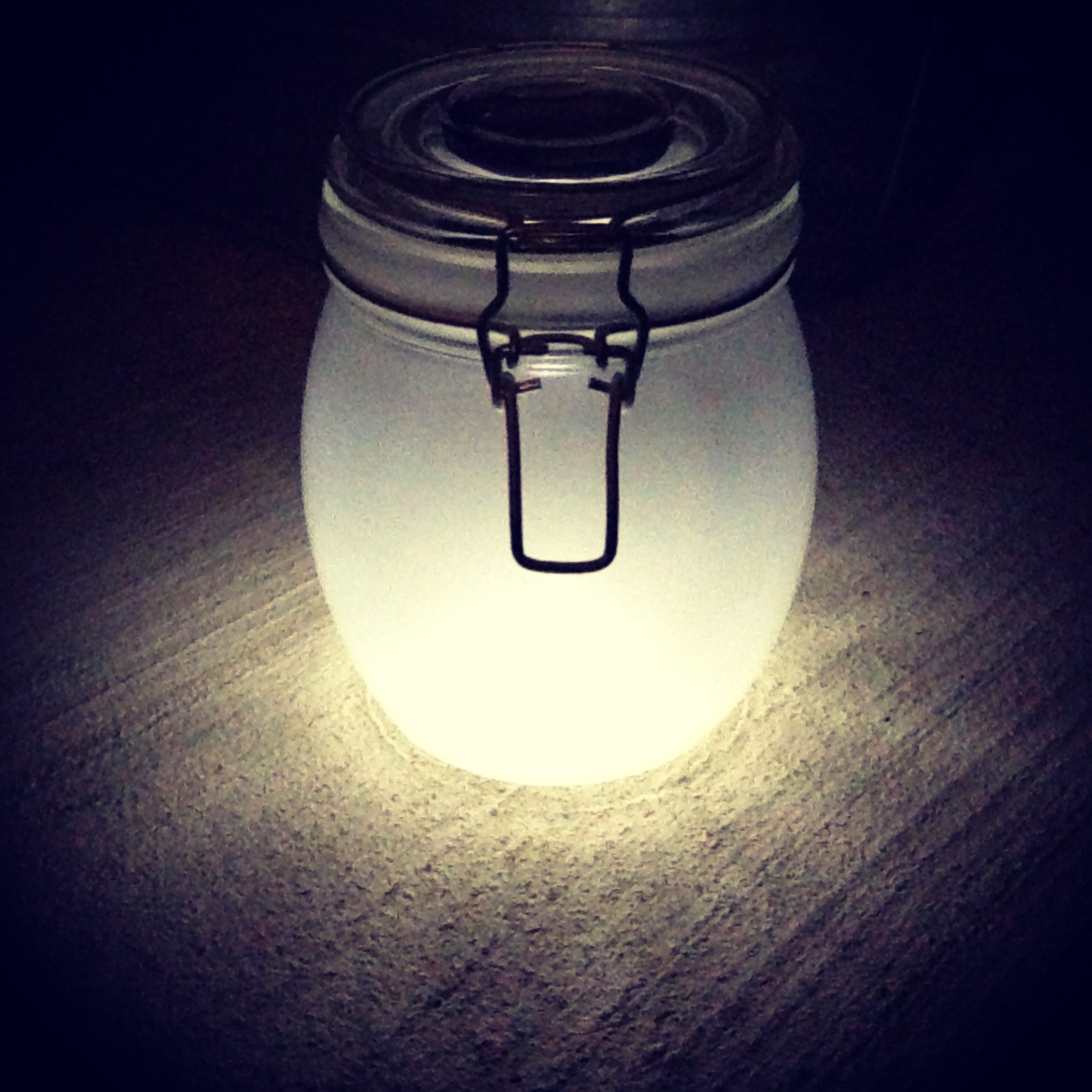 Sun Jar Solar Powered Lamp