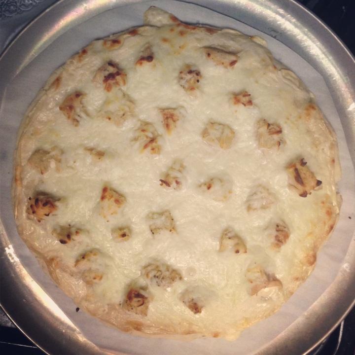 Crusty Pizza Dough // Chicken Alfredo Pizza