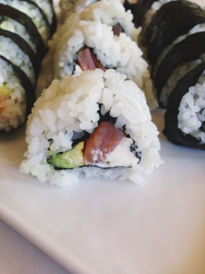 Smoked Salmon Sushi Rolls | a beginners guide to making sushi