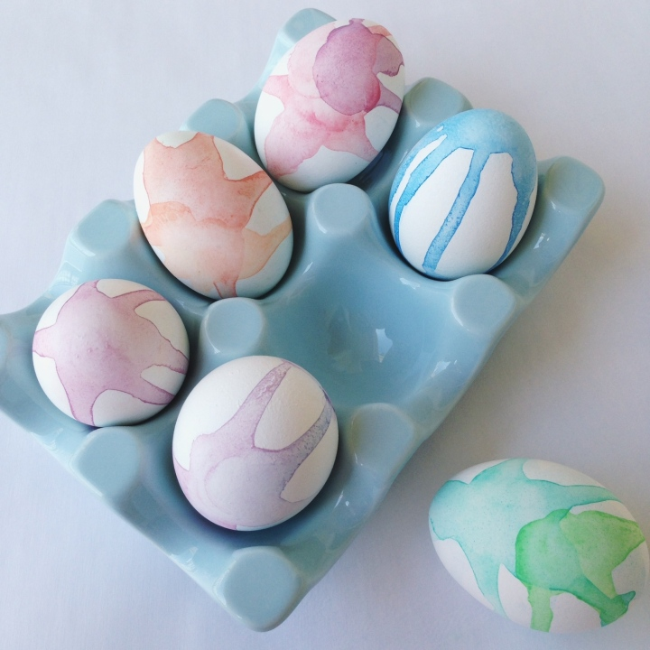 Watercolor Easter Egg Decorating