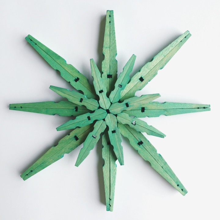 DIY Dyed Clothespin Snowflake Christmas Ornaments