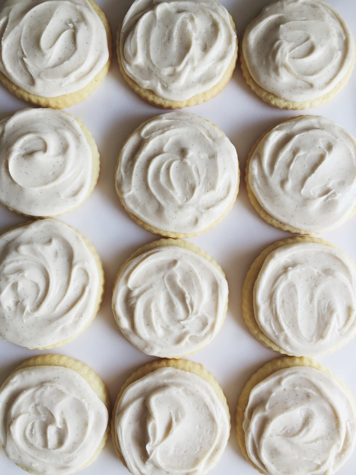 Vanilla Bean Buttercream Sugar Cookie Icing